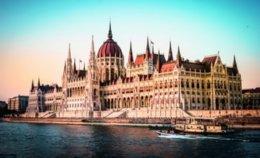 HELLO! Travel จับมือ การบินไทย ชวนสัมผัส 52 มรดกโลก