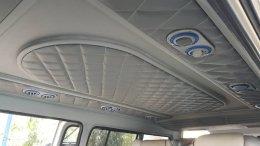 รถตู้ หลังคาเตี้ย ตกแต่งเพดานแบบ VIP สวยๆ