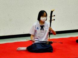 """การทดสอบเทียบมาตรฐานภาคปฏิบัติดนตรีไทย """"ซอด้วง ซออู้"""" ระดับเกรด 1-4"""