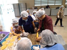 คณะเกษตรศาสตร์ฯ จัดการอบรมเชิงปฏิบัติการแปรรูปและเพิ่มมูลค่าข้าว กล้วย และมะเขือเทศ