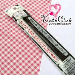 ปากกาเขียนผ้าสีขาว สำหรับผ้าสีเข้มๆ ของ Clover **ลบได้ด้วยความร้อน