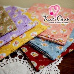SALE - ผ้า Cotton ลายดอกไม้กรอบขาว (1/4 ม.= 50 x 55cm)