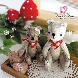 ชุดอุปกรณ์เย็บตุ๊กตาหมี Buddy Bear Kit **1 ชุดเย็บได้ 2 ตัวตามภาพ (ความสูง 11 และ 13.5 cm)