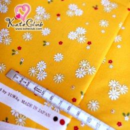 ผ้า Cotton ลายดอกไม้ สีเหลืองสดใส (1/4 ม.= 50 x 55cm)