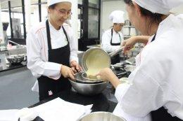 จ้างทำงานยกระดับการผลิตและการประกอบวัตถุดิบอาหารเพื่อพัฒนานวัตกรรมเพื่ออุตสาหกรรมการท่องเที่ยว