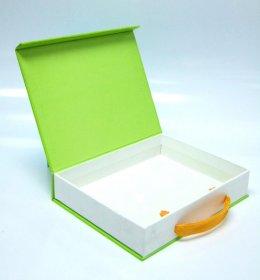 กล่องแบบมีหูหิ้วแข็งแรง