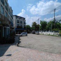 อาคารพาณิชย์หมู่บ้านวิสต้าปาร์ค วัชรพล ซ.วัชรพล 10 ID - 192542