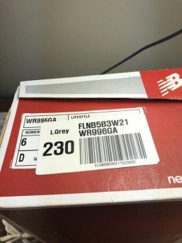 ขายรองเท้า new balance พร้อมกล่อง ราคาเต็ม 2000 กว่า ขายเพียง 1000 สภาพใหม่มากค่ะ