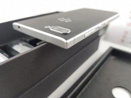 ขาย/แลก Blackberry Key2 Silver สภาพสวย แท้ ครบยกกล่อง เพียง 10,900 บาท