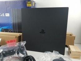 ขาย/แลก PlayStation 4 Pro 1TB 4K HDR ศูนย์ไทย สภาพสวยมาก แท้ ครบยกกล่อง เพียง 10,500 บาท