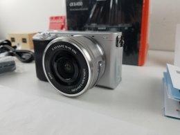 ขาย/แลก Sony A6400 พร้อม เลนส์ 16-50mm อายุ 5 วัน ศูนย์ไทย สภาพใหม่มาก พร้อม Mem16GB แท้ ครบยกกล่อง ประกันศูนย์ 09/05/2020 เพียง 31,900 บาท