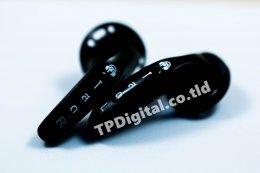 พิมพ์โลโก้หูฟัง สกรีนโลโก้ลงบนหูฟังสีดำ ลาย โสด สกรีนโลโก้บนก้านหูฟัง