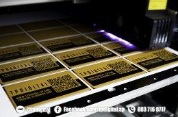 พิมพ์สกรีนนามบัตรอลูมิเนียม การ์ดนามบัตรโลหะ การ์ดนามบัตรสแตนเลส พิมพ์ลายลงบนนามบัตรอลูมิเนียมสีทอง และ สีเงิน