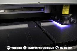 รับพิมพ์โลโก้ลงบนแผ่น PVC พลาสติกใสขุ่น ลาย wacom  ขนาด 26*31 cm พิมพ์ลายเต็มแผ่น 1 ด้าน