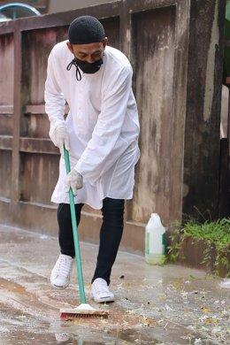 ทำความสะอาด ฉีดพ่นยาฆ่าเชื้อ