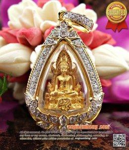 พระพุทธชินราช รุ่นแผ่นดินเกิดเนื้อทองคำ เลี่ยมกรอบทองคำฝังเพชรเบลเยี่ยม สวยซึ้งโดดเด่นมั่กมากจ้ะ