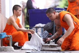 คณะสามเณรวัดสระเกศ  ได้จัดกิจกรรมทำความสะอาดพระอาราม ประจำปี ๒๕๖๑