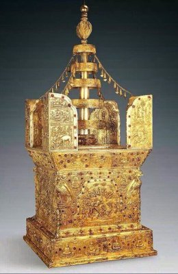 """อัศจรรย์! พบหีบทองคำบรรจุ """"ชิ้นส่วนกะโหลก"""" ระบุเป็นของ """"พระพุทธเจ้า"""" ในประเทศจีน"""