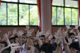 ค่ายคุณธรรมจริยธรรมนักเรียน โรงเรียนพวงคราม นักเรียนชั้นอนบาล 1-3 บรรยายโดยคณะพระวิทยากรกลุ่มใต้ร่มพุทธธรรม