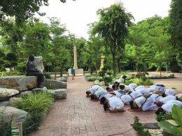 คณะครู นักเรียนโรงเรียนแจ้งวิทยา โรงเรียนการกุศลของวัดในพระพุทธศาสนา อำเภอเมืองสงขลา จังหวัดสงขลา ทัศนศึกษา ณ วัดสระเกศราชวรมหาวิหาร