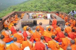 พระวิทยากรกระบวนธรรม ขึ้นภูเขาคิชฌกูฎ ศึกษาประวัติศาสตร์ของพระพุทธศาสนา
