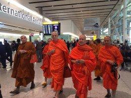 พระเดชพระคุณพระพรหมสิทธิ กรรมการมหาเถรสมาคม  เดินทางถึงประเทศอังกฤษ เป็นประธานประชุมองค์กรพระธรรมทูตไทยในสหราชอาณาจักร