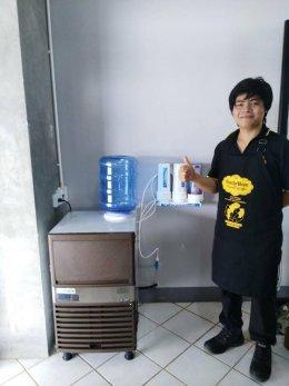 ร้าน คาเฟ่โบเน่ สมุทรสงคราม ไว้วางใจใช้เครื่องทำน้ำแข็ง GenIce วิวดี อร่อย น้ำแข็งสะอาด