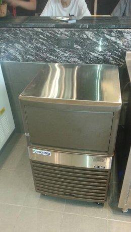 Greyhound Coffee สุราษฎร์ ไว้วางใจเครื่องทำน้ำแข็งเจ็นไอซ์