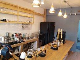 ร้าน AM.PM Slot Bar Coffee บางแสน ก็ใช้เครื่องทำน้ำแข็ง GenIce