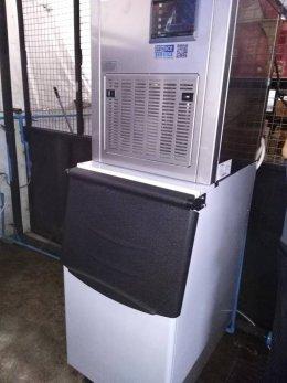 โรงเรียนเขมะสิริอนุสสรณ์ ก็ไว้ใจเครื่องทำน้ำแข็งเจ็นไอซ์