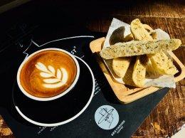Greyhound Coffee เชียงราย ไว้วางใจเครื่องทำน้ำแข็งเจ็นไอซ์