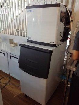 ขอบคุณMilklandสาขา คอสโม บาร์ซ่า เมืองทองทีเลือกใช้เครื่องทำน้ำแข็งเจ็นไอซ์