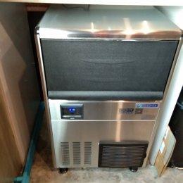 ร้าน EXPRESSO BY Gloria Jean's เลือกเครื่องทำน้ำแข็งเจ็นไอซ์