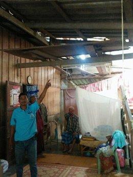 ลงพื้นที่สำรวจความเสียหายและดำเนินการช่วยเหลือบ้านผู้ที่ได้รับความเสียหายจากเหตุพายุ