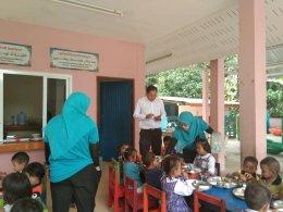 ท้องถิ่นจังหวัดยะลา เข้าเยี่ยมเยียนน้องๆศูนย์พัฒนาเด็กเล็กนูรุลฮูดา ตำบลท่าสาป