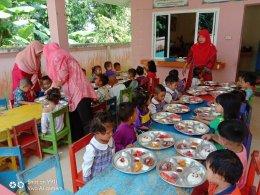 อาหารเที่ยงจากศูนย์พัฒนาเด็กเล็กนูรูฮูดา เทศบาลตำบลท่าสาป ประจำวันที่ 24 ธันวาคม 2562