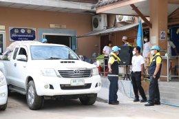 ปล่อยขบวนรถและร่วมแจกจ่ายถุงยังชีพให้กับชาวบ้าน หมู่ที่ 3 บ้านลิมุด ตำบลท่าสาป