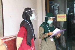 ร่วมส่งผู้ป่วยกลับบ้านจากสถานกักตัวประจำตำบลท่าสาป