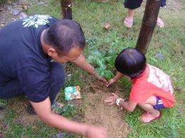 ปลูกต้นไม้เนื่องด้วยวันพ่อแห่งชาติ