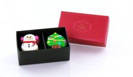 C70205A กล่องลาย Prosperity แดง 2 ช่อง DIA: 12.2x6.9x5 cm