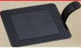BG-072 แผ่นรองเค้กสี่เหลี่ยมจตุรัส พลาสติก ดำ 7.2*7.2 cm@100