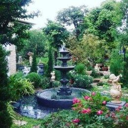 มุมน้ำพุในสวนอังกฤษ