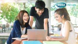 Students-talk-happy