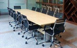ชุดโต๊ะประชุมพร้อมเก้าอี้