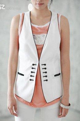 [[*พร้อมส่ง F]] [SZ-1298] SZ++เสื้อกั๊ก++เสื้อกั๊กสีขาว ผ้าฝ้าย แขนเว้า ปักลายแนวจีน ข้างหลังเข้ารูปด้วยเข็มขัดเล็กๆ