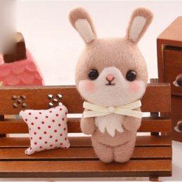 Kit set Felting rabbit สูงประมาณ 4.5 x 10.5 cm.ราคาชุดละ