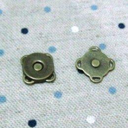 กระดุมแม่เหล็กมีช่องสำหรับเย็บติด เส้นผ่านศูนย์กลาง ขนาด 1 ซม.