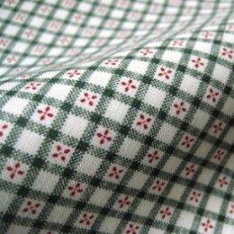 ผ้า cotton ญี่ปุ่น ตารางน่ารักโทนเขียว ขนาด 1/8 เมตร (25*55 ซม.)