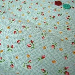 ผ้า cotton ของ A-TWO ลายตาราง+ดอก โทนฟ้า ขนาด 1/8 เมตร (25*55 ซม.)