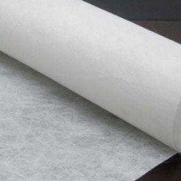 ผ้ากาว เนื้อละเอียดเหมาะสำหรับงาน Apliquick หรือจะช่วยทำให้ผ้าอยู่ทรง (สีขาว) ขนาด 1/4 หลา (45*75 ซม.)